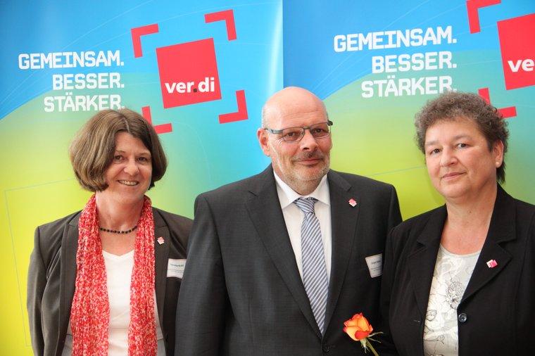 Seit dem 4.6. mit Angelika Kappe (ganz rechts). Mitte Jürgen Bothner, links Conny Kröll.