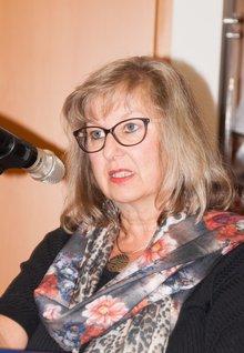Portraitaufnahme Bezirksvorsitzende Marianne Wölk.